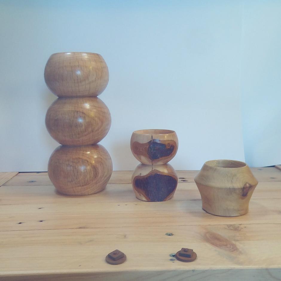 houten kandelaar en theelichthouders