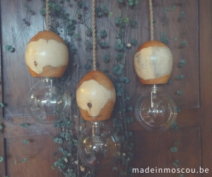 houten lamp - handwerk - taxus