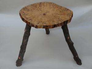 houten bijzettafeltje - vervuurde berk