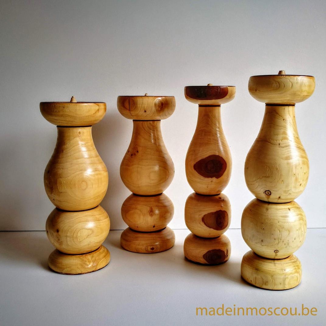 gedraaide houten kandelaars