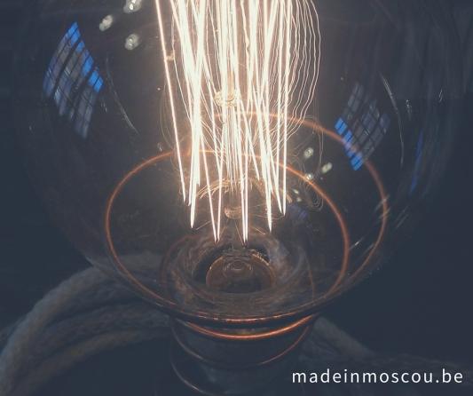 gebreide tafellamp